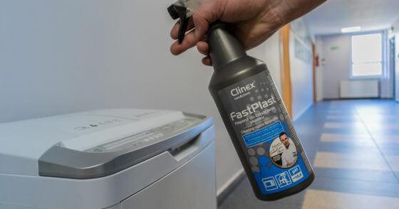 Czyścimy plastikowe powierzchnie - Clinex Fast Plast